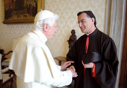 Benedetto XVI  riceve in udienza sua beatitudine Béchara Raï, il 14 aprile 2011 [© Osservatore Romano]