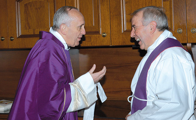 Cardinal Bergoglio with Don Giacomo Tantardini in a photo from 2009 [© Paolo Galosi]