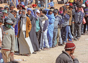 Libyan refugees on the Tunisian border [© Ansa]