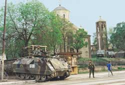 Italian soldiers guardind an ortodoxe church in Mitrovica