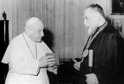 Archbishop Josyf Slipyj meeting John XXIII after his liberation, 10 February 1963