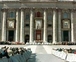La ceremonia de beatificación de Luis Orione el 26 de octubre de 1980