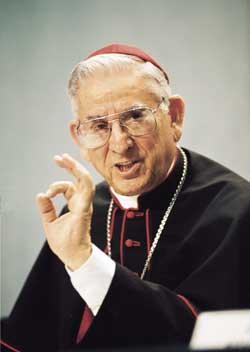 Noticias criminología. El ministro del Interior, en la Orden del cardenal que perdona la pederastia y minimiza el Holocausto. Marisol Collazos Soto