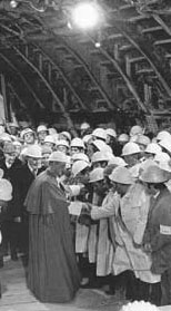 With the workers on the building site of the Rome-Florence express under Mount Soracte, during Christmas night 1972