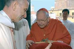 Cardinal Cottier during the ceremony of the taking possession of the cardinal-deacon's church of Saints Dominic and Sixtus, 25 March 2004