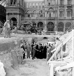 Cardinal Giovanni Battista Montini on 5 July 1961 visiting the archaeological remains of the baptistery brought to light in Piazza Duomo during the works for the subway
