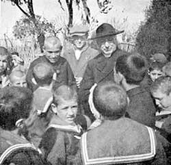 Don Orione with Monsignor Bagnoli, Bishop of Avezzano, and some of the orphans who survived the Marsica earthquake, in Rome in 1915
