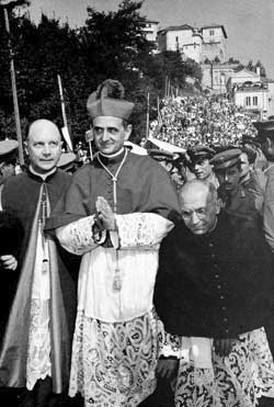 O arcebispo de Milão, Giovanni Battista Montini visitando o Sacro Monte de Varese