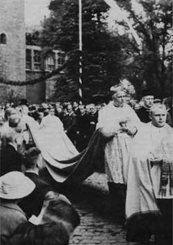 Von Galen in procession during the ceremony 