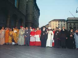 "Above, the procession of delegates at the conference ""Religion and culture. The courage of a new humanism"", moving towards the Cathedral Square 