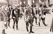 O imperador Carlos de Habsburgo com seu séquito durante a procissão de <I>Corpus Christi</I> pelas ruas de Viena