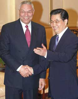 Powell , with Chinese prssident Hu Xintao in Beijing on 25 October 2004