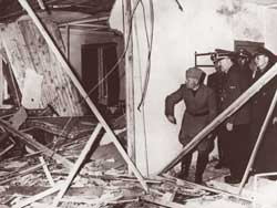 Above, Hitler and Mussolini inspecting the Führer's headquarters in Rastenburg destroyed in the bomb attempt of 20 July 1944; down, Pius XII with the cardinal of Munich Michael von Faulhaber