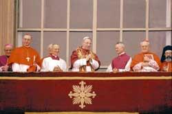 Il 26 agosto 1978,  dopo un rapidissimo conclave,  viene eletto papa il cardinale Albino Luciani che sceglierà il nome di Giovanni Paolo I