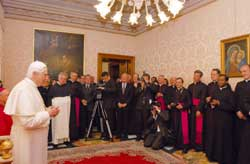 Benedict XVI among his former collaborators at the Congregation for the Doctrine of the Faith