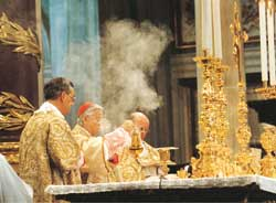 "Cardinal Darío Castrillón Hoyos during the ""Tridentine"" mass celebrated in the Basilica of Saint Mary Major 24 May 2003"
