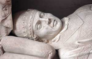 Above, Benedict XI, detail of the funeral monument, school of Arnolfo di Cambio, church of San Domenico, Perugia