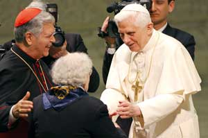 Cardinal Jorge Liberato Urosa Savino presents his elderly mother, doña Ligia, 