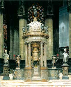 The ciborium with the tabernacle