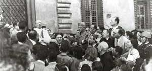 Pius XII in Piazza San Giovanni, 13 August 1943, after the bombings of the 