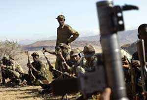 Ethiopians soldiers guard the border with Eritrea
