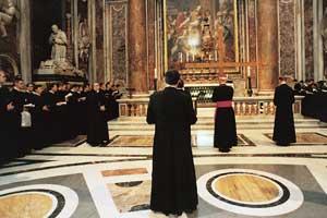 Il pellegrinaggio giubilare alla Basilica di San Pietro si conclude con un momento  di preghiera sulla tomba di san Pio X