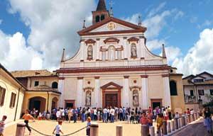 La chiesa parrocchiale dei Santi martiri Cornelio e Cipriano<br /><br /> in Trivolzio, dove è conservato e venerato<br /><br /> il corpo di san Riccardo Pampuri
