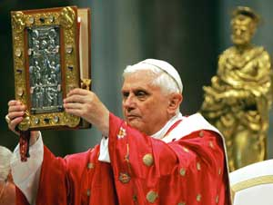Benedict XVI during the Eucharistic celebration on the feast of The Holy Apostles Peter and Paul, 29 June 2005