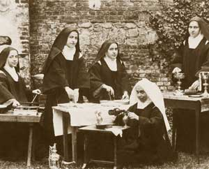 The sacristans of the Carmel of Lisieux in a photo of November 1896