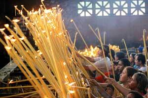 Fedeli brasiliani presso il santuario di Nossa Senhora da Conceição Aparecida
