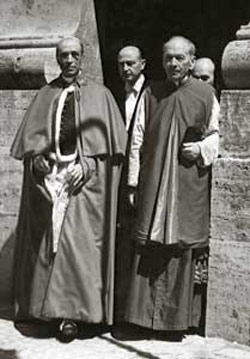 Pius XII with Monsignor Ludwig Kaas at the exit from the Vatican grottos, in June 1950