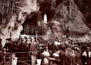 The Grotto of Lourdes in a photo of 1914