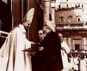 Paul VI and Maritain during the closing ceremony of Vatican II, 8 December 1965