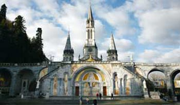The new mosaics on the facade 