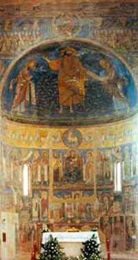 The frescoed apse of the Church of San Silvestro, situated in stupendous medieval Tivoli , goes back in all probability to the years between the end of the XII and the beginning of the XIII century. The fresco of the apsidal bowl, according to many experts, 