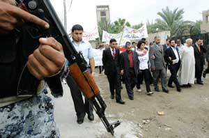 Baghdad, 31 October, 2008: a demonstration of solidarity with the Christian community of Mosul, which in recent weeks has once again been targeted in a tragic wave of violence [© Associated Press/LaPresse]