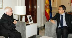 Cardinal Cañizares Llovera with the Spanish premier José Luis Zapatero on 7 January 2009 [© Agencia Efe]
