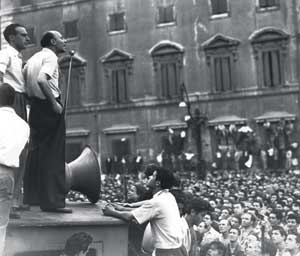 Giancarlo Pajetta speaking at a rally in Rome in 1948 <BR>[© International Photo/LaPresse]