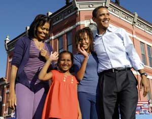 Obama with his family [© Associated Press/LaPresse]