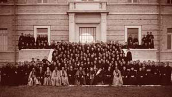 Educators and students of the Pius Brazilian College on the inauguration day, 3 April 1934 [© Pius Brazilian Pontifical College]