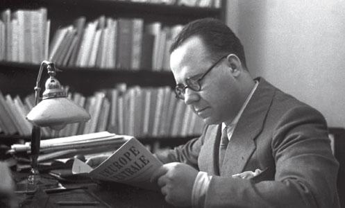 Guido Gonella nella redazione dell'<I>Osservatore Romano</I> [© Osservatore Romano]