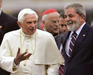 Benedetto XVI e il presidente Lula [© Associated Press/LaPresse]