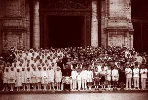 A group photo of the children who made their First Communion at Santa Croce in Gerusalemme in 1931