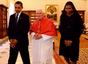 President Barack Obama and first lady Michelle visiting Pope Benedict XVI in the Vatican, 10 July 2009 [© Paolo Galosi/Vatican pool]