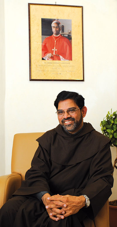 The rector of the Institute, Father Varghese Kurisuthara [© Paolo Galosi]
