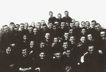 Luigi Giussani, in the center of the photo, with his classmates in the seminary of Venegono [© CL Archive]