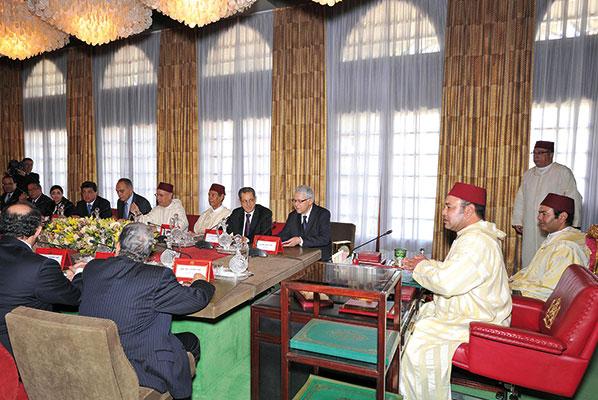 Mohammed VI presiede un Consiglio dei ministri per discutere la riforma costituzionale, Rabat, 17 giugno 2011 [© Reuters/Contrasto]