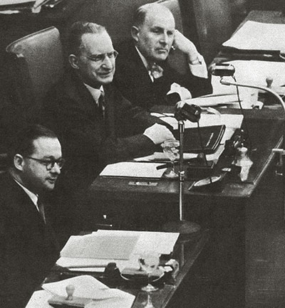 De Gasperi chairing the Assembly of the ECSC, 10 May 1954