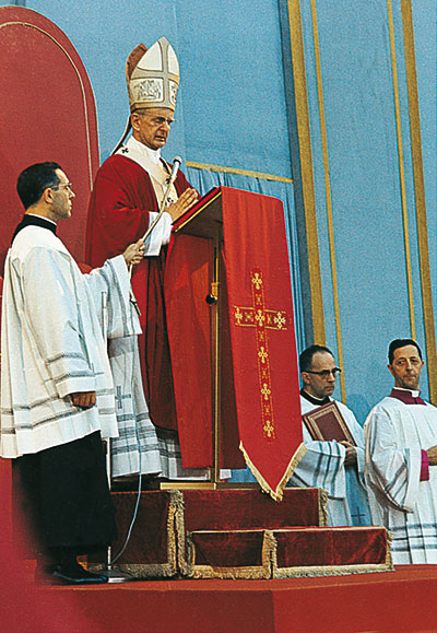 Paul VI pronouncing the <I>Creed of the People of God</I>, Sunday 30 June 1968, at the closing of the Year of Faith