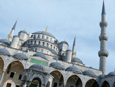 The Blue Mosque in Istanbul, visited by Benedict XVI on 30 November 2006 <BR>[© Associated Press/LaPresse]